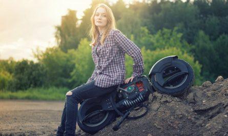 Верхом на мотоскейтборде G-Wheel (Wheelman)