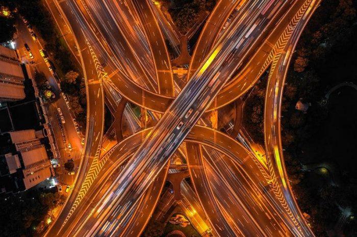 Безопасное вождение на сложной дороге