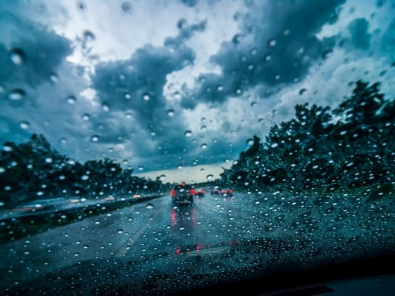 Вождение в сложных погодных условиях
