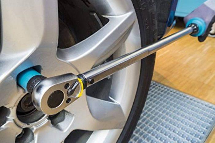 Как самостоятельно заменить колесо