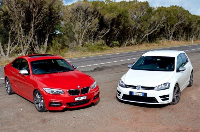 BMW 130i и Volkswagen Golf R32 (сравнение)