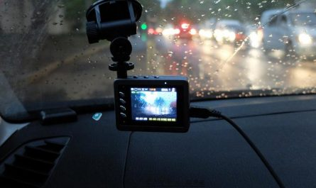 Характеристики автомобильных видеорегистраторов. Выбираем самый лучший.