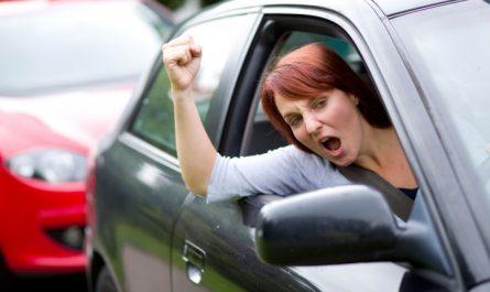 8 ошибок женщин находящихся за рулем автомобиля